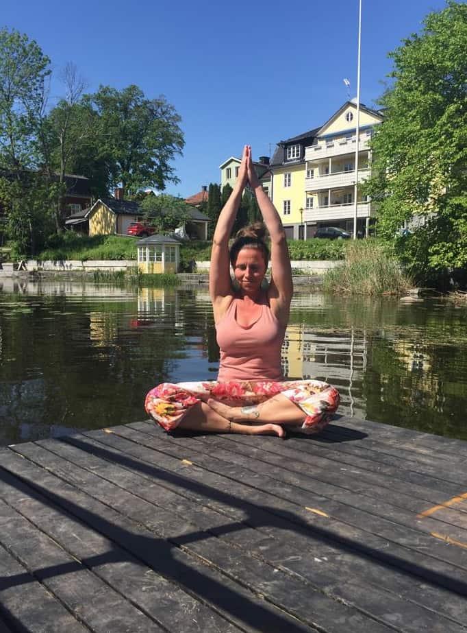 yoga pa_ bryggan